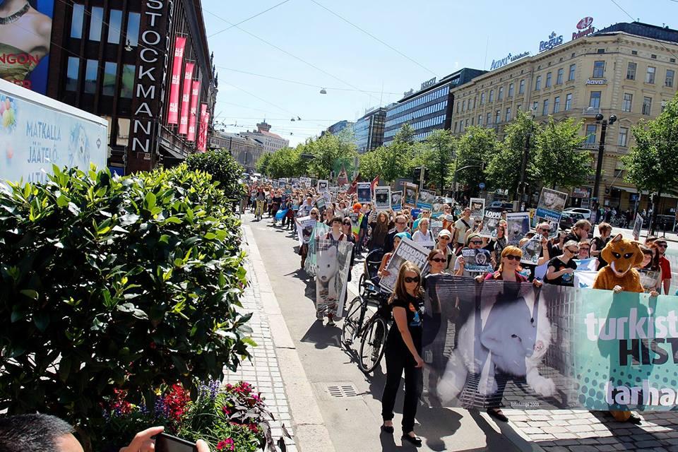 International demonstration calls for fur ban in Finland