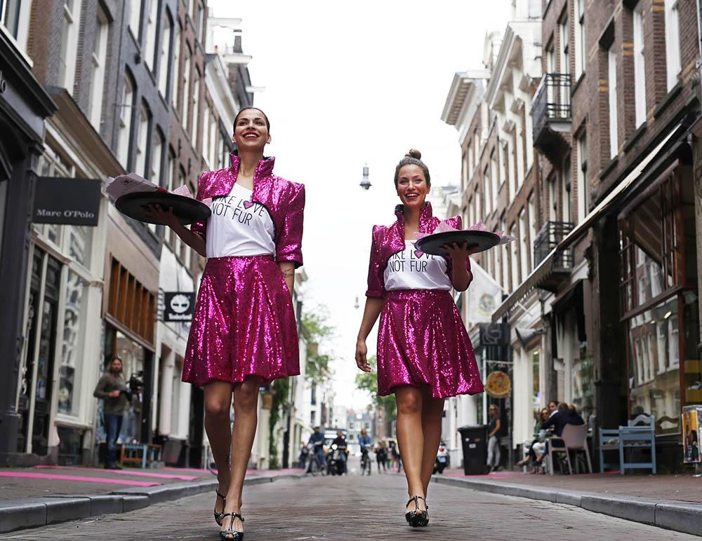 Fur-free shopping street in Amsterdam